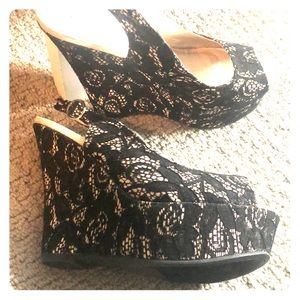 New Qupid is Wedge Black lace 8
